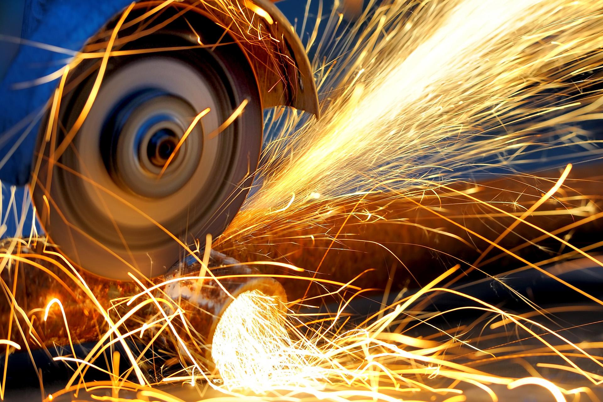 Industrial equipment grinder